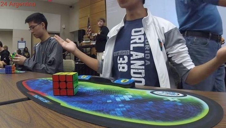 """""""Dedos mágicos"""": es hijo de mendocinos y rompió el récord mundial del cubo Rubik"""