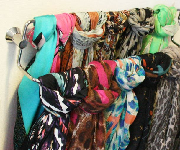 DIY: Organize your scarfs