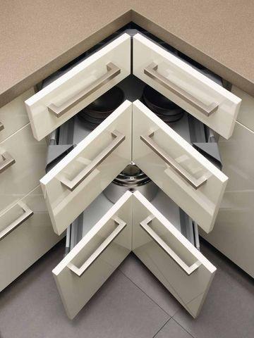 Tiroir d'angle sous le plan de travail de ma cuisine - 40 meubles de cuisine maxi rangement - CôtéMaison.fr