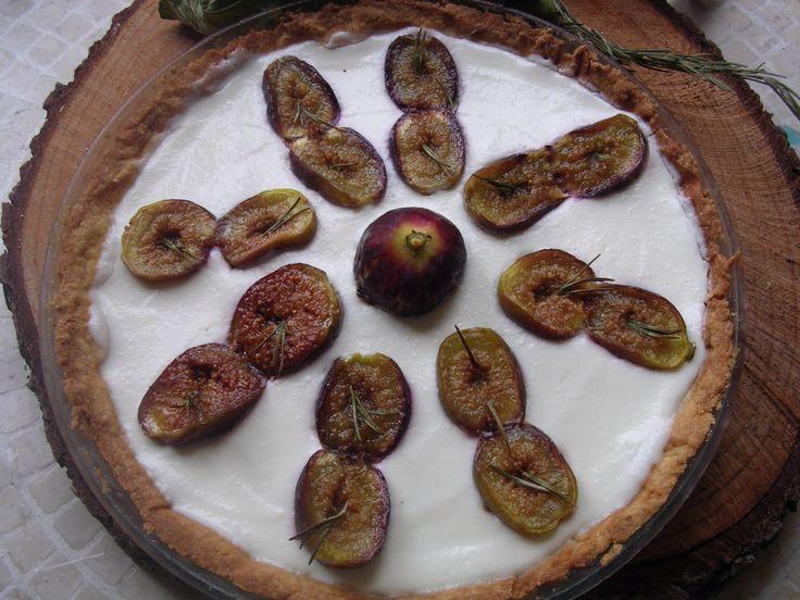 http://blog.giallozafferano.it/irene57/rosemary-fig-tart-crostata-fichi-rosmarino/