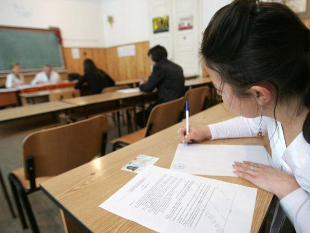 Astăzi, 13 iunie, începe prima sesiune a examenului de Bacalaureat la care s-au înscris 137.444 de absolvenţi de liceu, prima probă fiind evaluarea compete