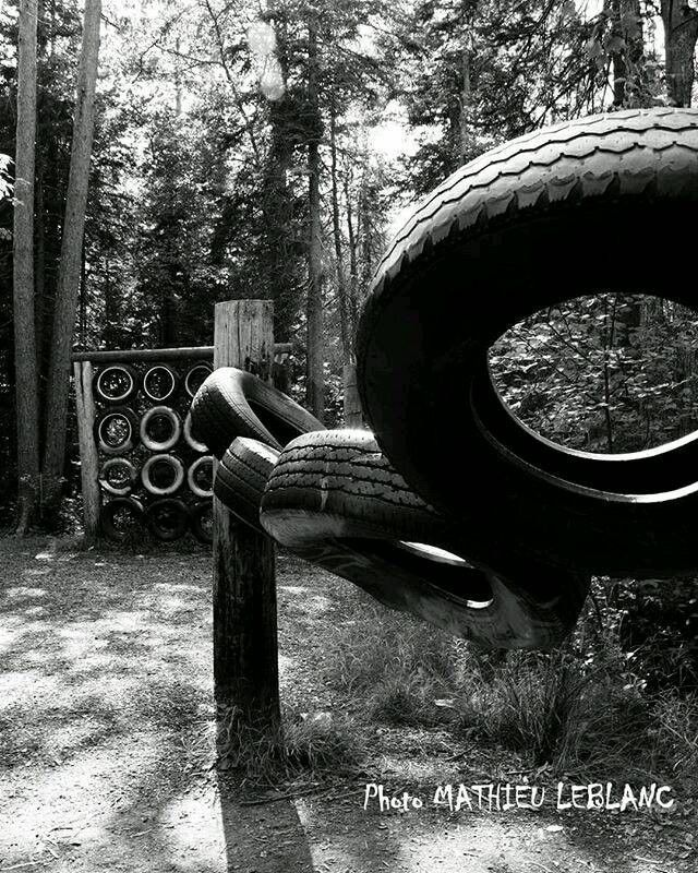 #tire #tires #obstacles #obstaclecourse #playground #pneu #pneus #photography #blackandwhite #photographie #noiretblanc #trees #forest #arbres #foret #canada #outdoor #fit #excerise #workout #crossfit #bootcamp #acadie #fitness #instagram #socialmedia #pneumatici #tyres_shop #bw #bwphoto : @mattleblancphoto