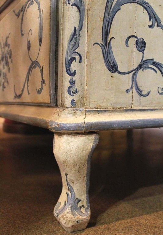 An 18th c. Italian Painted Blue & White Commode Chest of Drawers image 5