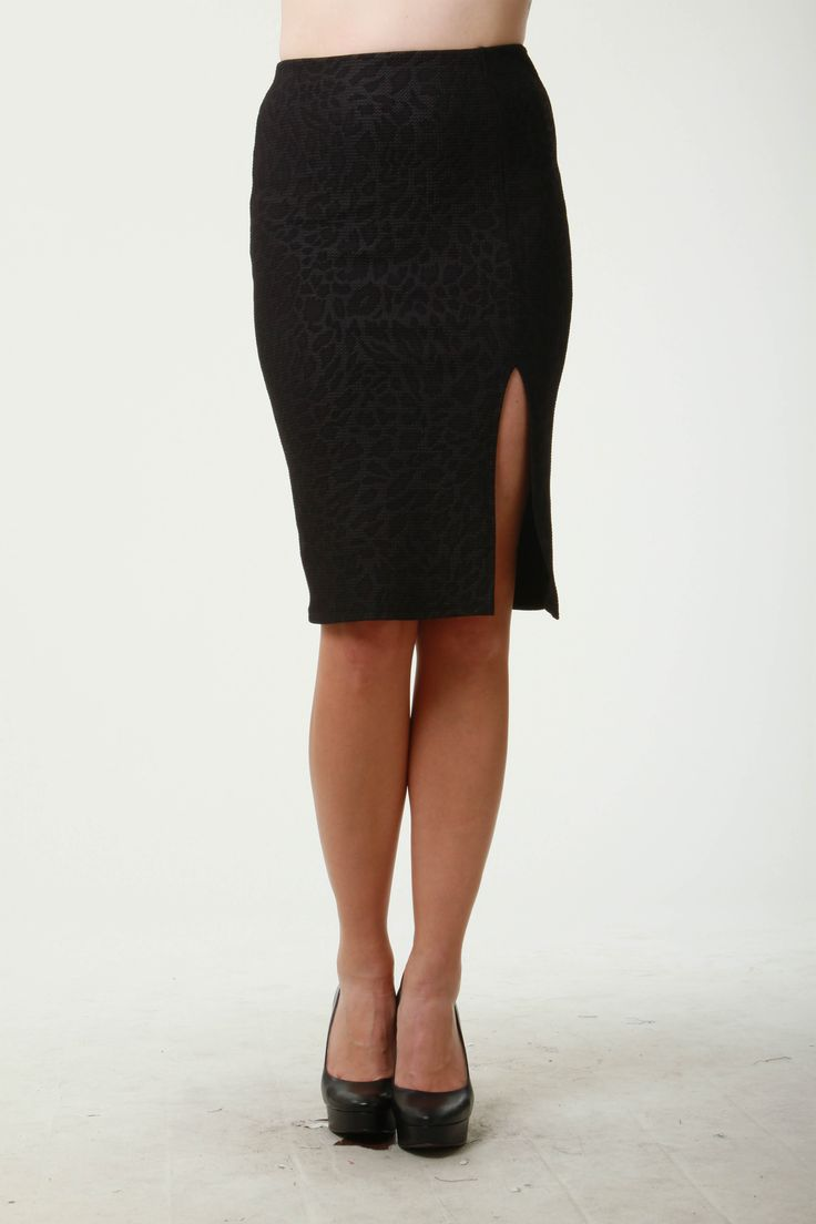 Leopard embossed side slit pencil skirt. S-21642