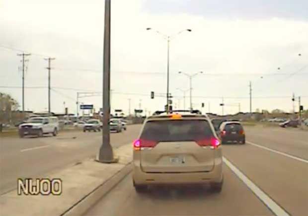 Ο αστυνομικός της χρονιάς - Δείτε τι έκανε! (video) http://bit.ly/1kbIt49