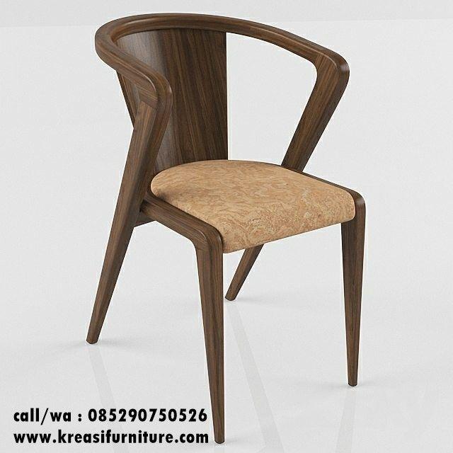 Kursi Cafe Kayu Sonojati merupakan kursi cafe berbahan full kayu sonojati yang identik dengan warna kayunya yang gelap dan berserat indah nan menawan.