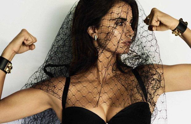 Vogue Spain December 2016 Cover Story Starring Penelope Cruz