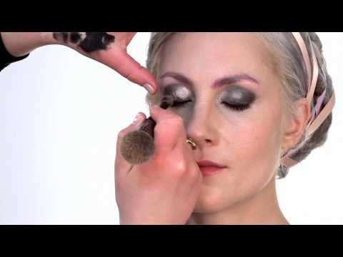 A bCREATIVE Makeup Tutorial - Smokey Eye With Pastel Highlights #makebeauty #bglowing www.b-glowing.com