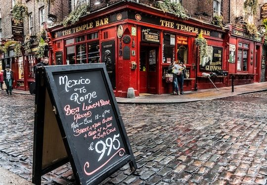 Day Drinking and Pub Crawls: a complete guide to drinking in #Dublin