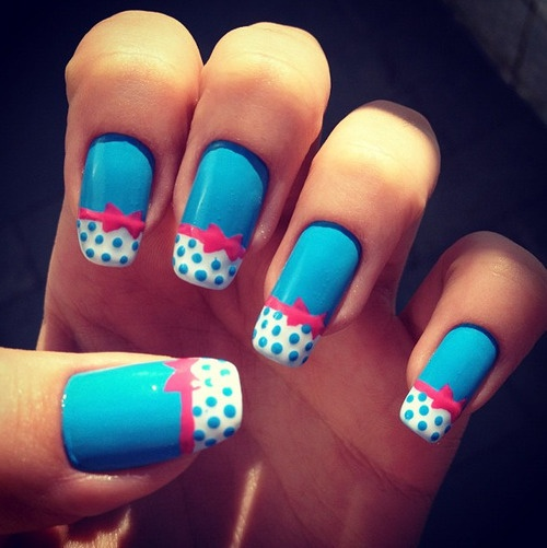 cute little blue polka dot nails