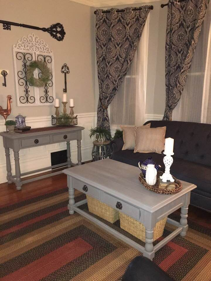 Behr S Whitewash Oak On Walls Letter Gray Tables