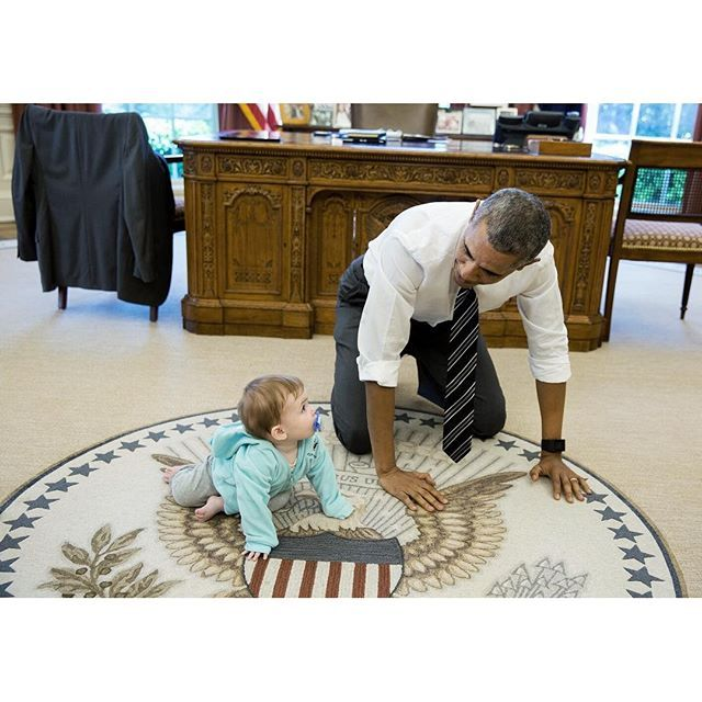 President+Obama+spent+a+few+minutes+with+Communication+Director+Jen+Psaki's+daughter,+Vivi,+when+she+stopped+by+the+West+Wing+yesterday.