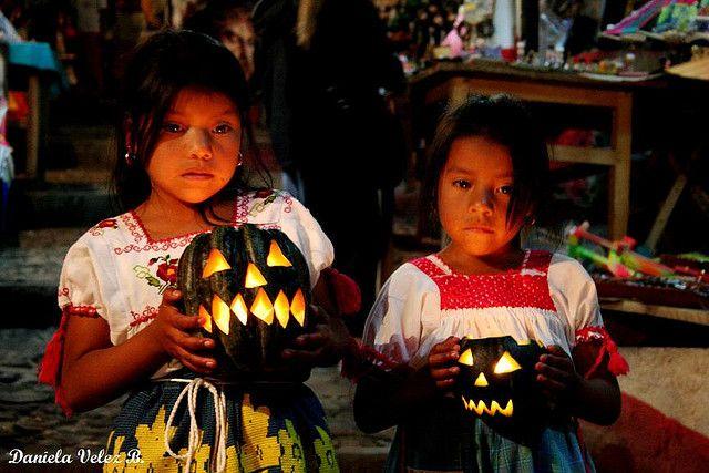 Day of the Dead in Mexico p Dia de Muertos in Janitzio, Michoacán, Mexico - Photo by Daniela Velez