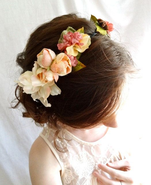 I totally love flower headpieces though