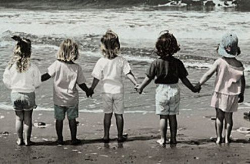Girlfriends Girlfriends GirlfriendsThe Women, Little Girls, Friends, Girls Generation, At The Beach, Beach Pictures, Weights Loss, Children Book, Holding Hands