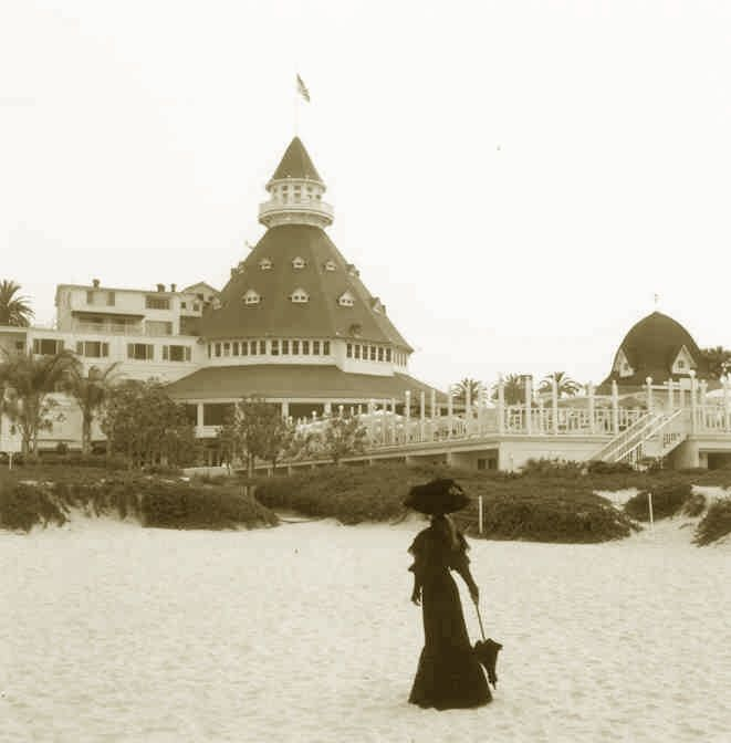 51 best images about ghosts on pinterest ghost sightings for Hollywood beach resort haunted