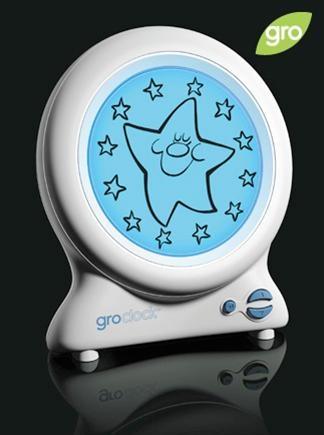 Horloge Gro Clock  Cette horloge est magique! Elle montre aux enfants trop jeunes pour lire l'heure, quand c'est le moment de rester au lit et quand c'est l'heure de se lever! À notre avis, le meilleur cadeau qu'on puisse donner aux parents de bambins! $49.99