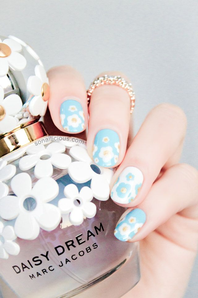 Marc Jacobs Daisy Dream Nails - how-to: http://sonailicious.com/marc-jacobs-daisy-dream-nails-how-to/
