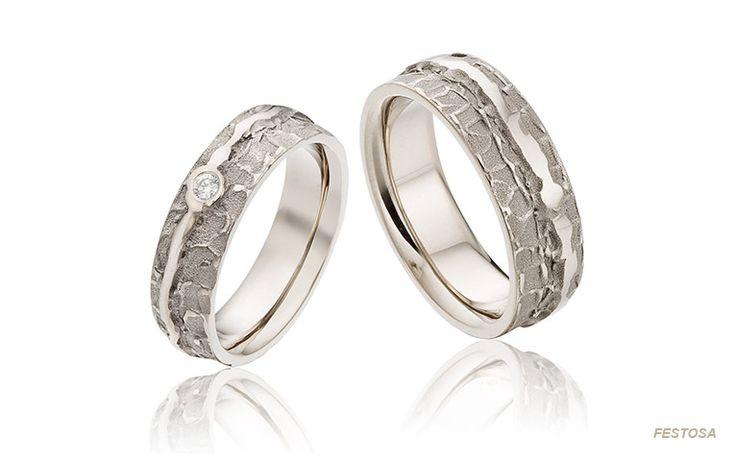 Organische trouwringen met een natuurlijke uitstraling en mooie contrasten. Bekijk alle witgouden ringen met briljant van BijzondereTrouwringen.nl!