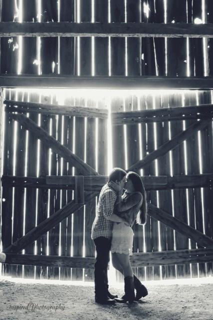 Quail Ridge Park barn, Engagement Photography