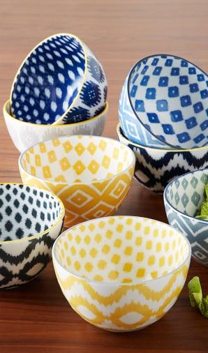 Beautiful yellow ikat printed bowls http://rstyle.me/n/gpxqdnyg6