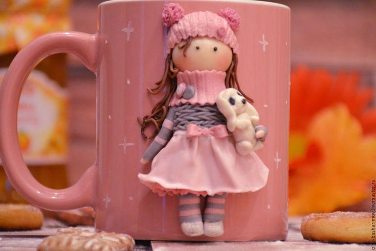 """Купить Кружка с декором """"Девочка с зайчишкой """" - бледно-розовый, полимерная глина, подарок"""