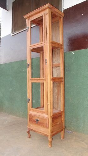 cristaleira alta, 1 porta, 2 estantes. madeira de demolição.