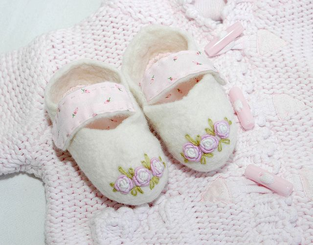 felt baby slipers | Flickr - Photo Sharing!