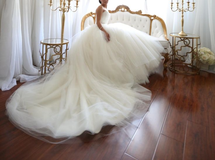 Vera Wang Bride Wars dress, $3,000 Size: 2 | Used Wedding Dresses