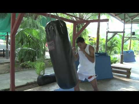 Tiger Muay Thai and MMA: Techniques: Heavy Bag Warm-Up - YouTube