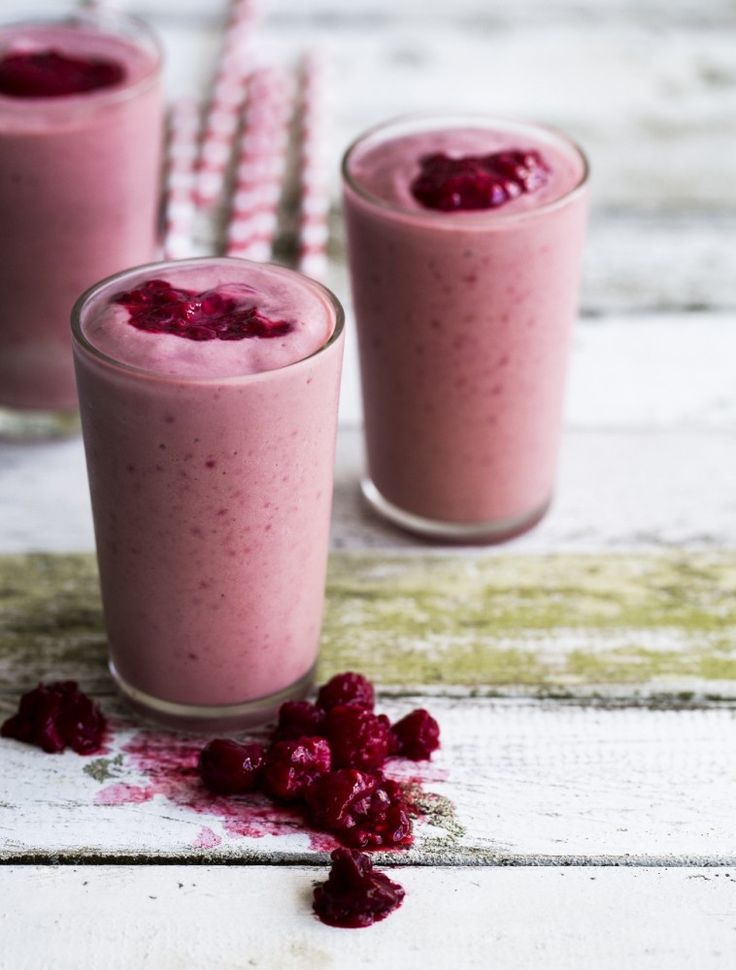 Raspberry and Avocado Smoothie