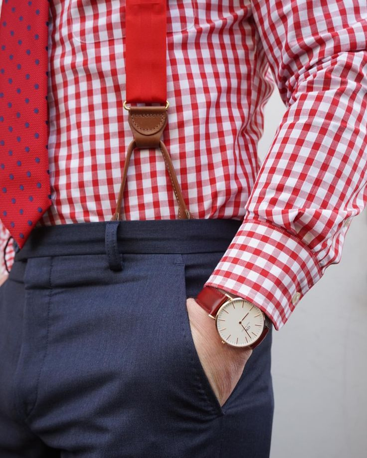 red braces, red and white gingham shirt, red tie with blue dots and blue trousers...great ideas