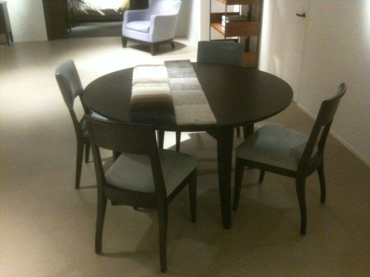 Promemoria Ambroes table and Hurell chairs