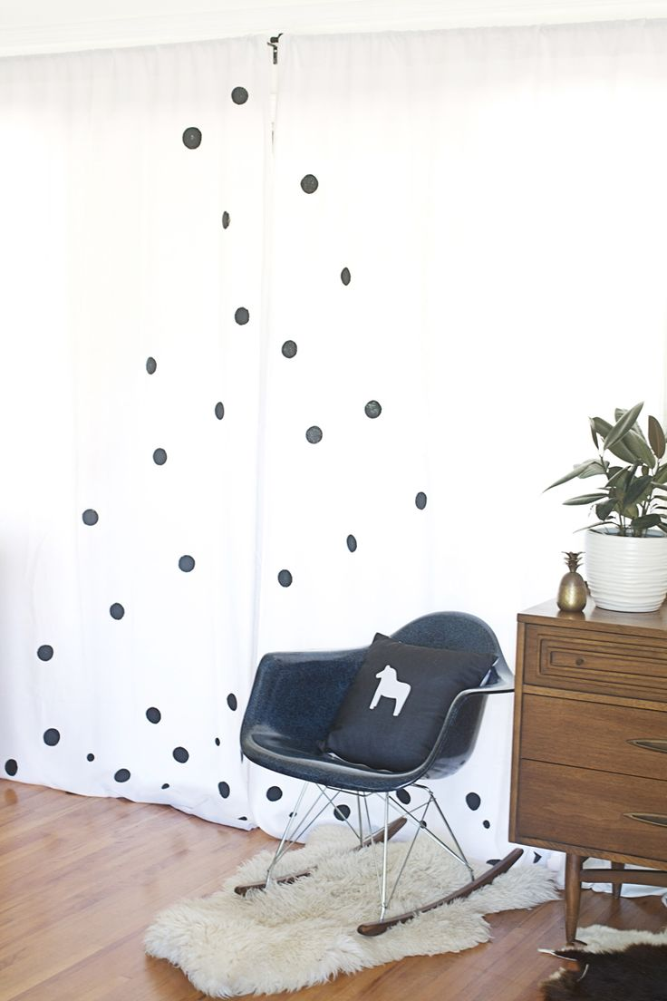 love these graphic DIY Painted Curtains via Hello Lidy!