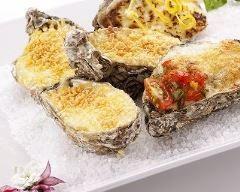 Huîtres chaudes facile : http://www.cuisineaz.com/recettes/huitres-chaudes-facile-48805.aspx