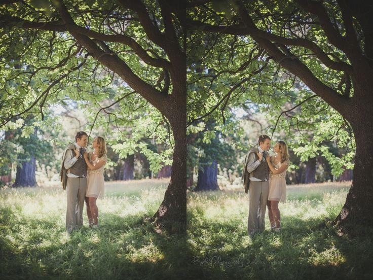 Love birds at the gardens….Kelk Photography, engagement shoot, Dunedin, New Zealand