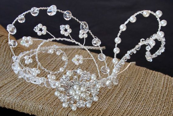 The epitome of 40s glamour...  This is an elaborate design incorporating genuine quartz, Swarovski Crystals, Swarovski Crystal Pearls and a