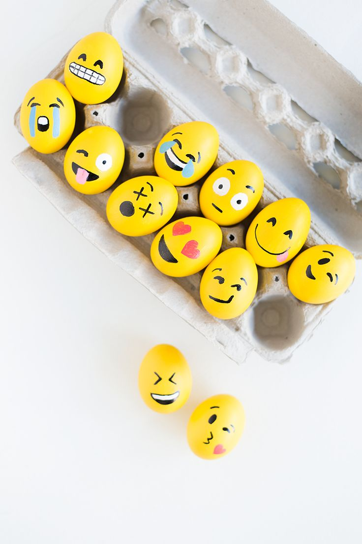 You'll be saying OMG and LOL with these emoji inspired easter egg designs. Easy step-by-step instructions included.