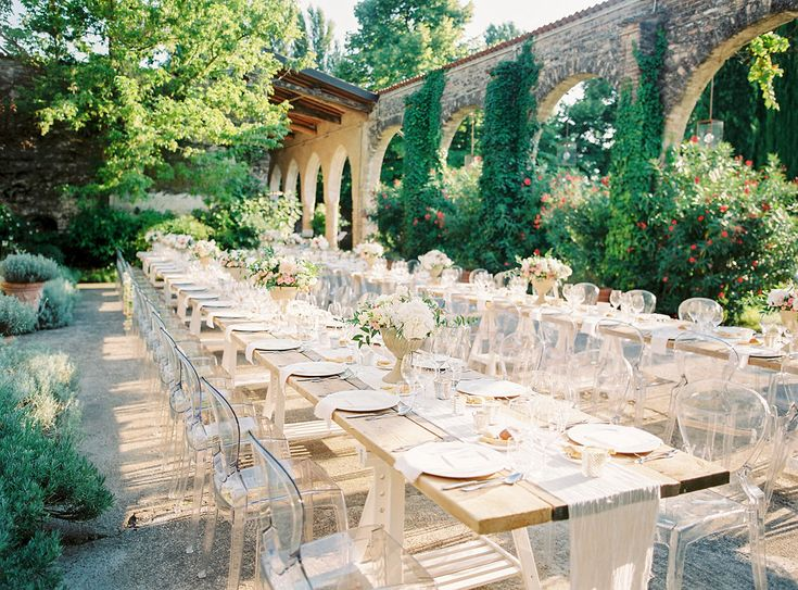 And then onto the main event at a wedding in Italy - the food! Ghost chairs in a convent may be our new favourite thing. A beautiful contrast between the modern lucite and the historical setting, with soft fabrics and pale colours. It was a beauty to behold. Branco Prata #wedding #ghost #chair #nunnery #italian #destination REVELRY EVENTS - WEDDING PLANNER LONDON