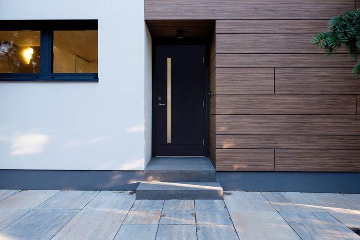 Dagens bilde er en Emma dør fra LGA. Denne er en flott dør, som gir huset ditt et nydelig blikkfang.