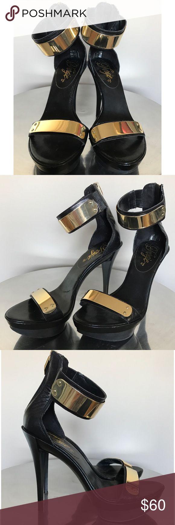 Fergie Gold Plate Heels PreOwned. Platform Heels. Good Condition. Zipper in Back. Fergie Shoes Heels