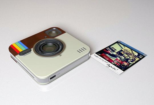 Instagram bardzo szybko wdarł się do naszych smartfonów i na dobre w nich zadomowił. Słyszeliście o powstającej właśnie wersji analogowej tej aplikacji oraz o zupełnie nowym pomyśle Twittera - Vine? O tym i jeszcze więcej przeczytacie na www.soPerlage.com!    http://soperlage.com/facebook-kontra-twitter-walka-o-fotografie