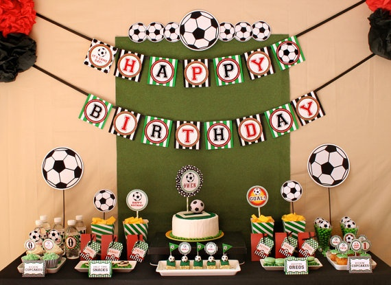 soccer party dessert table , DIY decoration by www.venspaperie.com