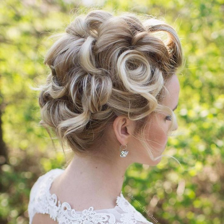 www hair style best 25 pin curl updo ideas on retro updo 8467