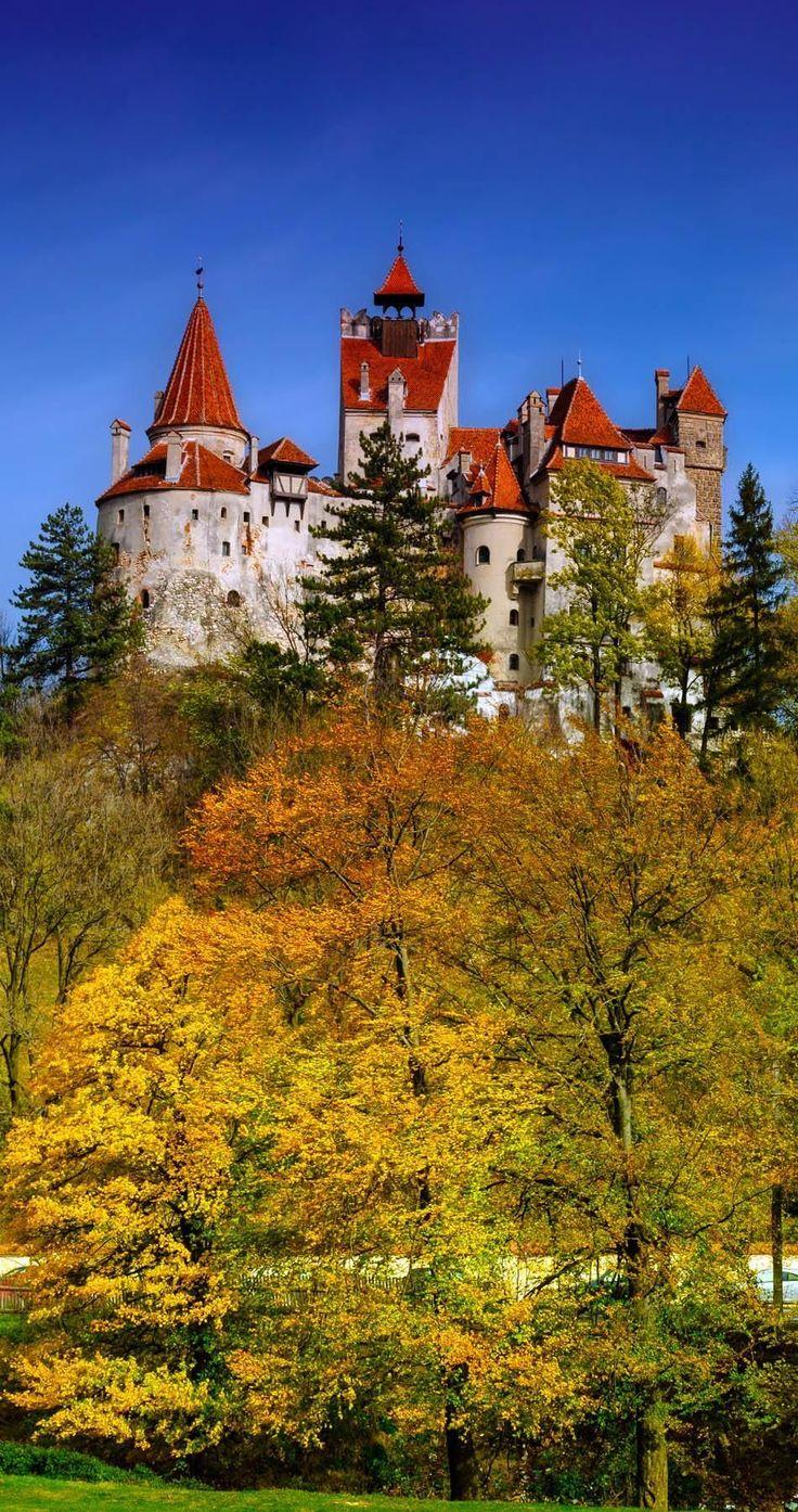 Castillo de Bran en Rumania también conocido como el castillo de Drácula en Transilvania