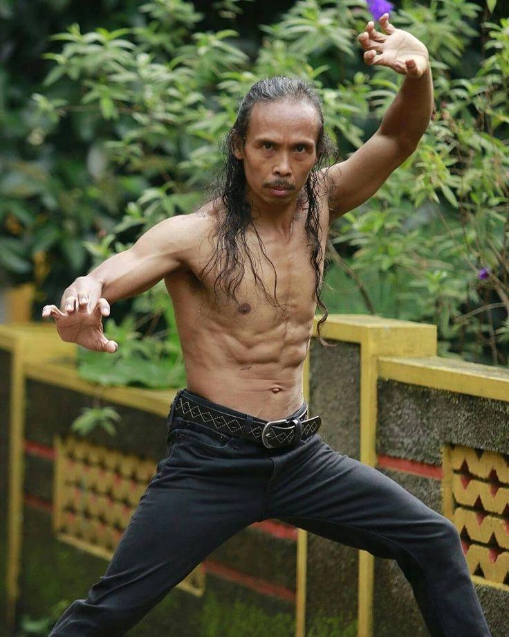Yayan Mad Dog Ruhian Yayan Ruhian Was Born In Tasikmalaya West Java On October 19 1968 He Found His P Martial Arts Martial Arts Instructor Fighting Poses