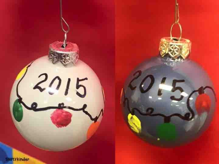 Fingerprint bulbs as parent gifts from students! These will be a great keepsake for your families for sure!