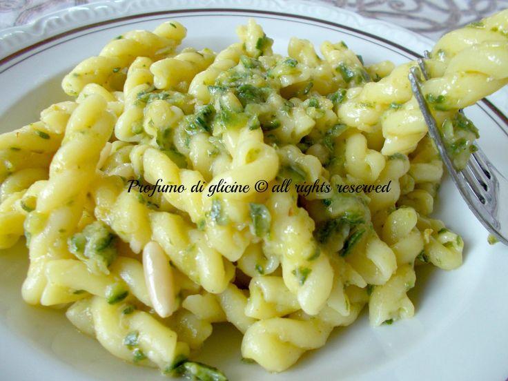 Fusilli al limone con zucchine e pinoli – ricetta semplice