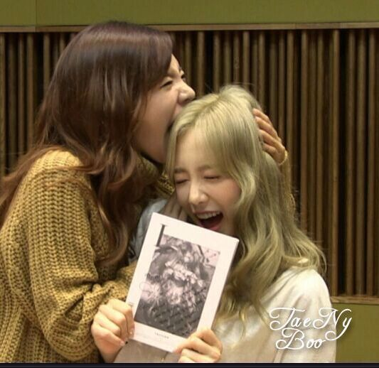 151008 Sunny FM Date SNSD Taeyeon with Sunny