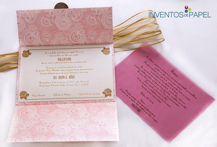 Tarjeta elegante y formal para invitar a tus  15 años. www.inventosdepapel.com